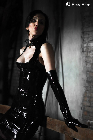 Mistress Lilien Cross